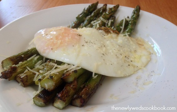 grilled asparagus with fried egg 1 .jpg