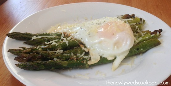 grilled asparagus with fried egg 2 .jpg