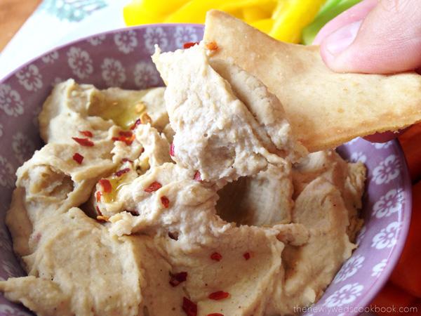 roasted garlic homemade hummus