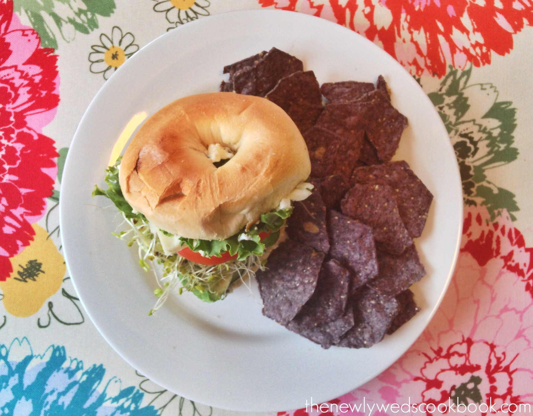 veggie bagel sandwich 4 .jpg