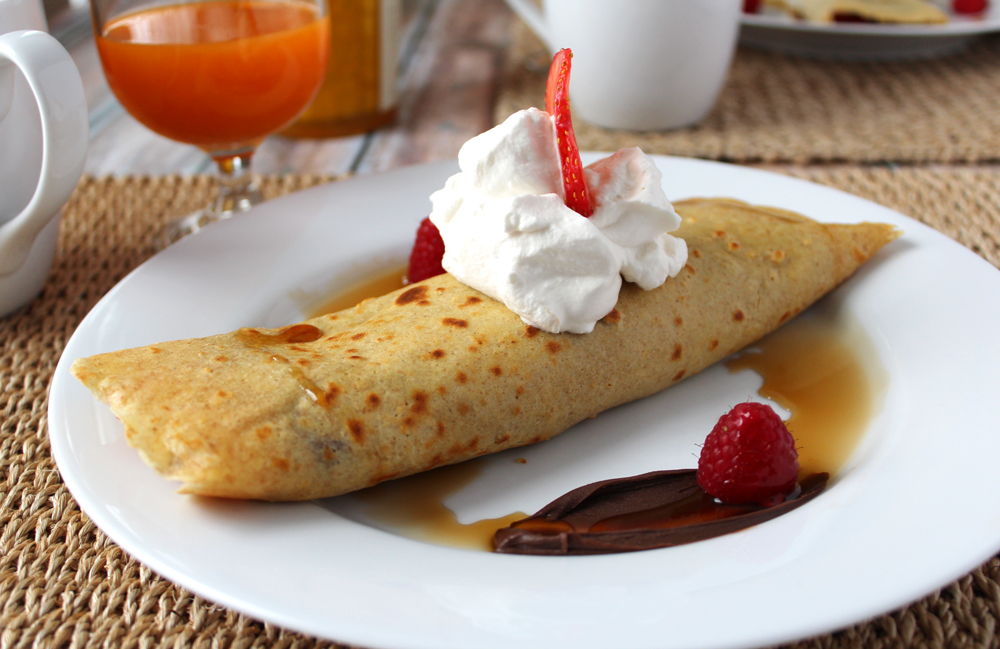berry stuffed crepes